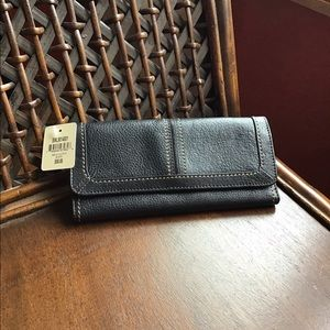 NWT Fossil Melia clutch black wallet